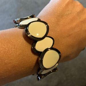 Creamy White & Hematite Stretch Bracelet